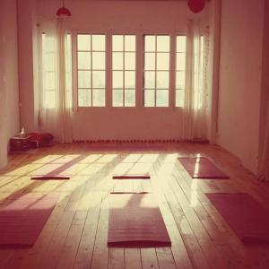 GROUNDED YOGA BCN
